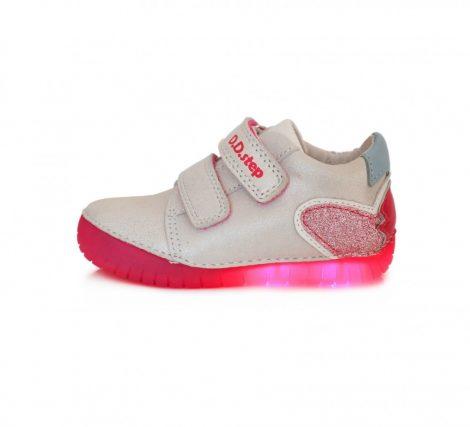 D.D. Step lány átmeneti zárt cipő csillogó fehér, LED VILLOGÓ TALPÚ,28,29 (050-18m)